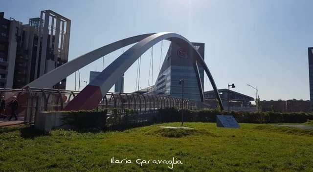 Ponte pedonale Arup Italia.jpg